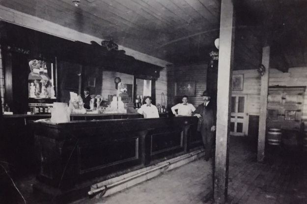 wambachs bar